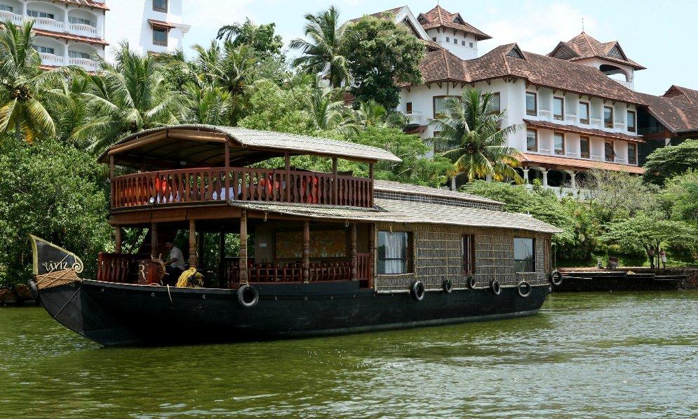 trivandrum houseboat day trips