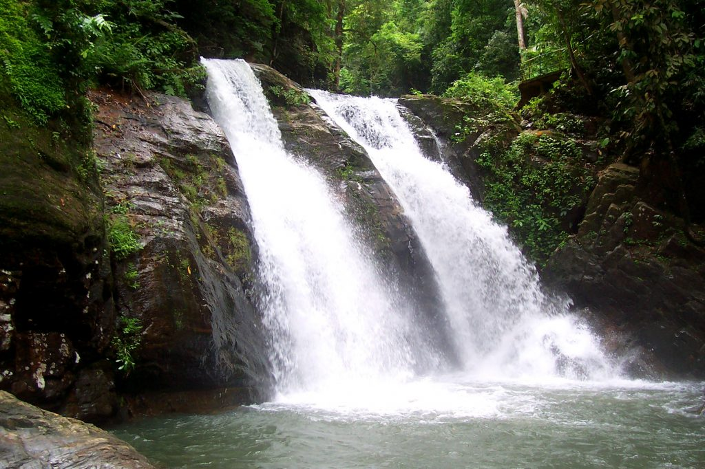 trivandrum waterfalls tour