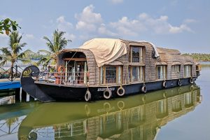 Trivandrum-Day-Tour-Houseboat