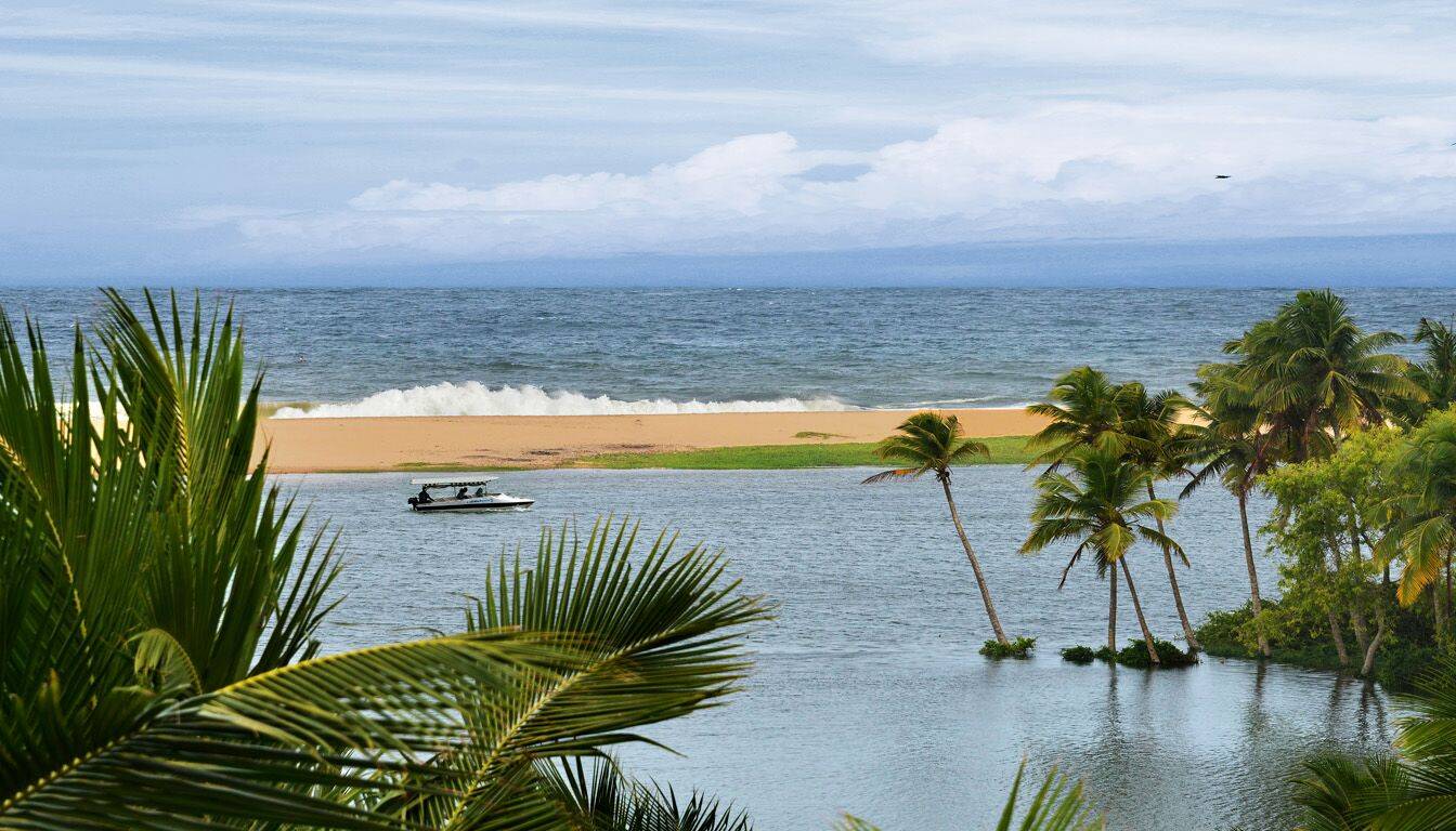 OVERNIGHT TOURS FROM POOVAR